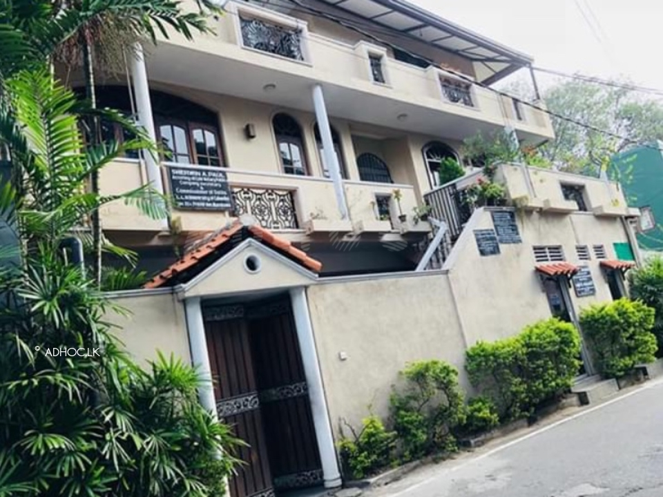 House in dehiwala